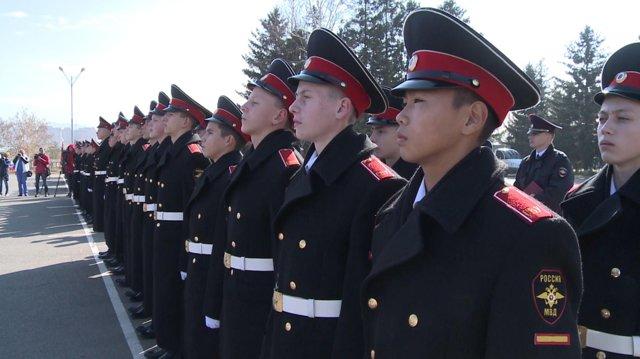 Как поступить в военное училище после 9-го класса?